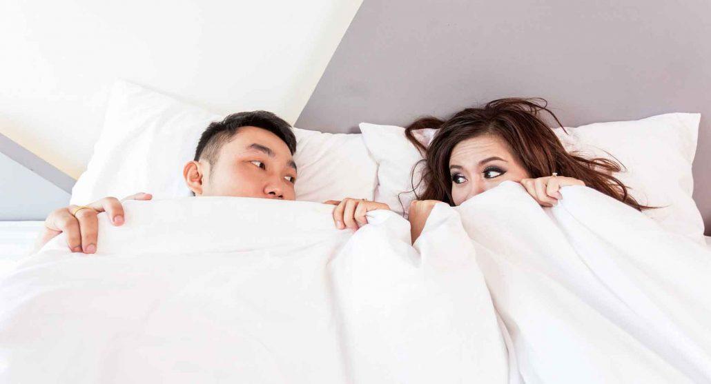Zwei Ex Partner im Bett