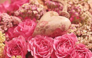 Blumen und Herz zum Valentinstag
